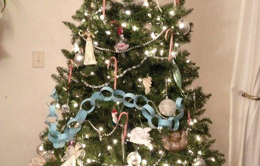 ASimpleHomestead.com - 2014 Christmas tree