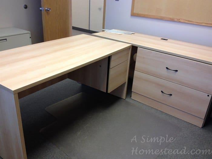ASimpleHomestead.com - craft desks