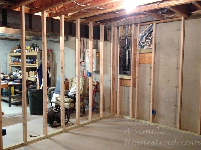 ASimpleHomestead.com - craft room framing