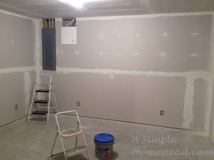 ASimpleHomestead.com - craft room drywall