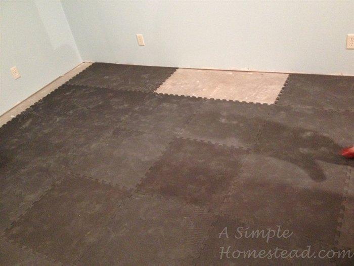 ASimpleHomestead.com - craft room flooring