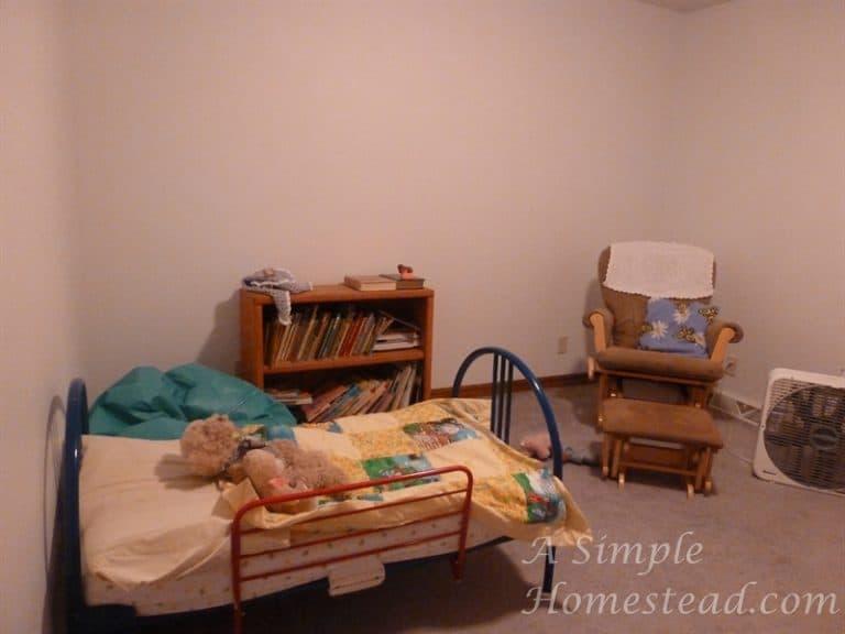 ASimpleHomestead.com - bedroom toddler bed