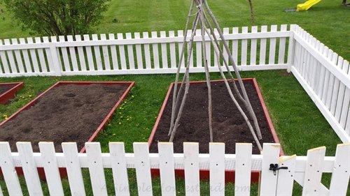 fenced garden | ASimpleHomestead.com