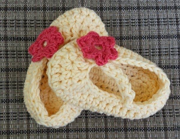 cream baby booties | ASimpleHomestead.com