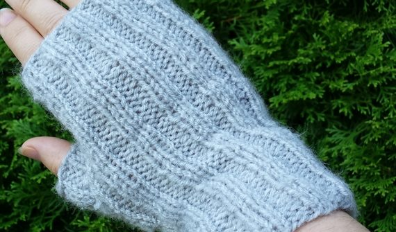 ribbed-fingerless-mitts | ASimpleHomestead.com