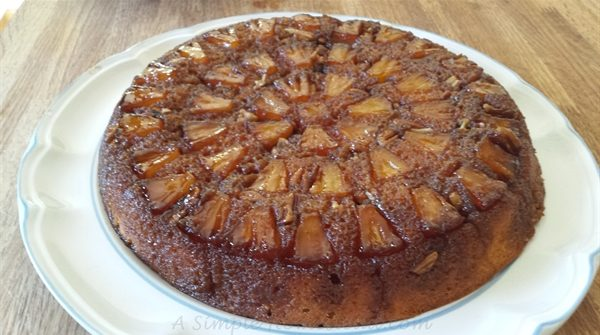finished pineapple upside-down cake
