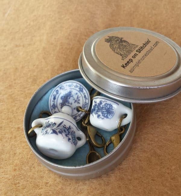 Delft chine tea set stitch markers