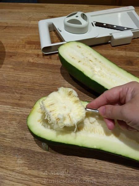 mock apple pie bars - seeding