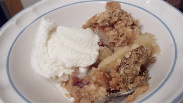 apple crisp with ice cream - ASimpleHomestead